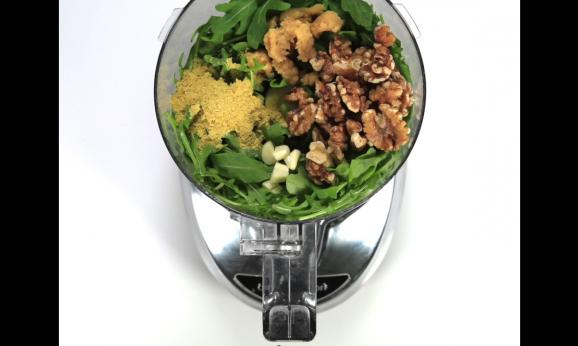 Embedded thumbnail for Pesto Pasta Salad