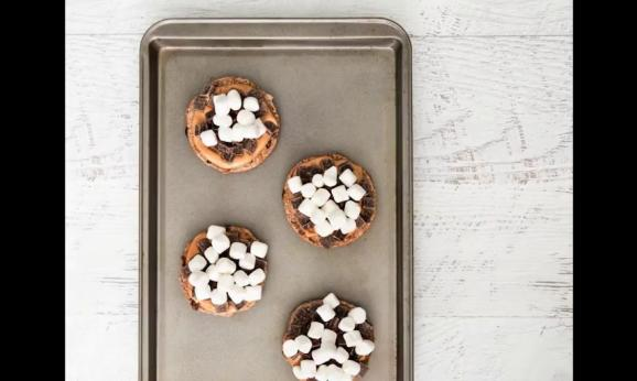 Embedded thumbnail for Peanut Butter S'mores English Muffins